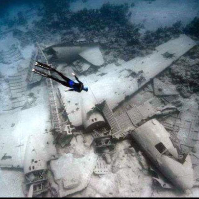 plane crash under the sea repinned from redditcom