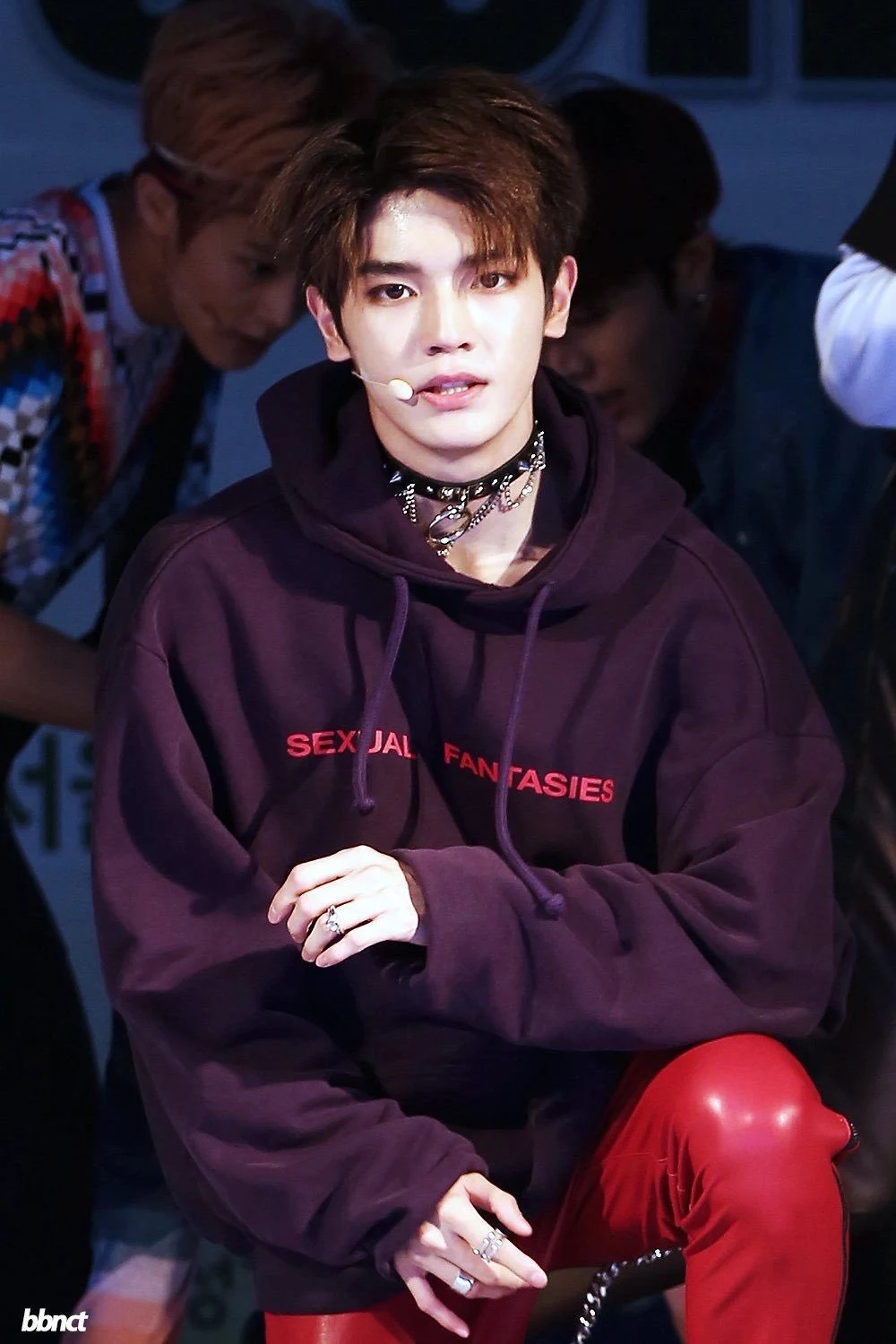 20 Times Male Idols Were Caught Wearing The Same Outfit And You Probably Didn T Even Notice Bias Wrecker Kpop News Nct Taeyong Taeyong Nct