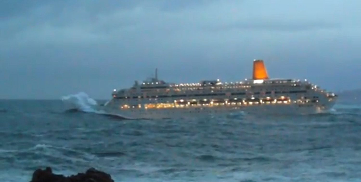 Ships In Stormy Seas Google Search Nautical Pinterest - Cruise ship hits rough seas