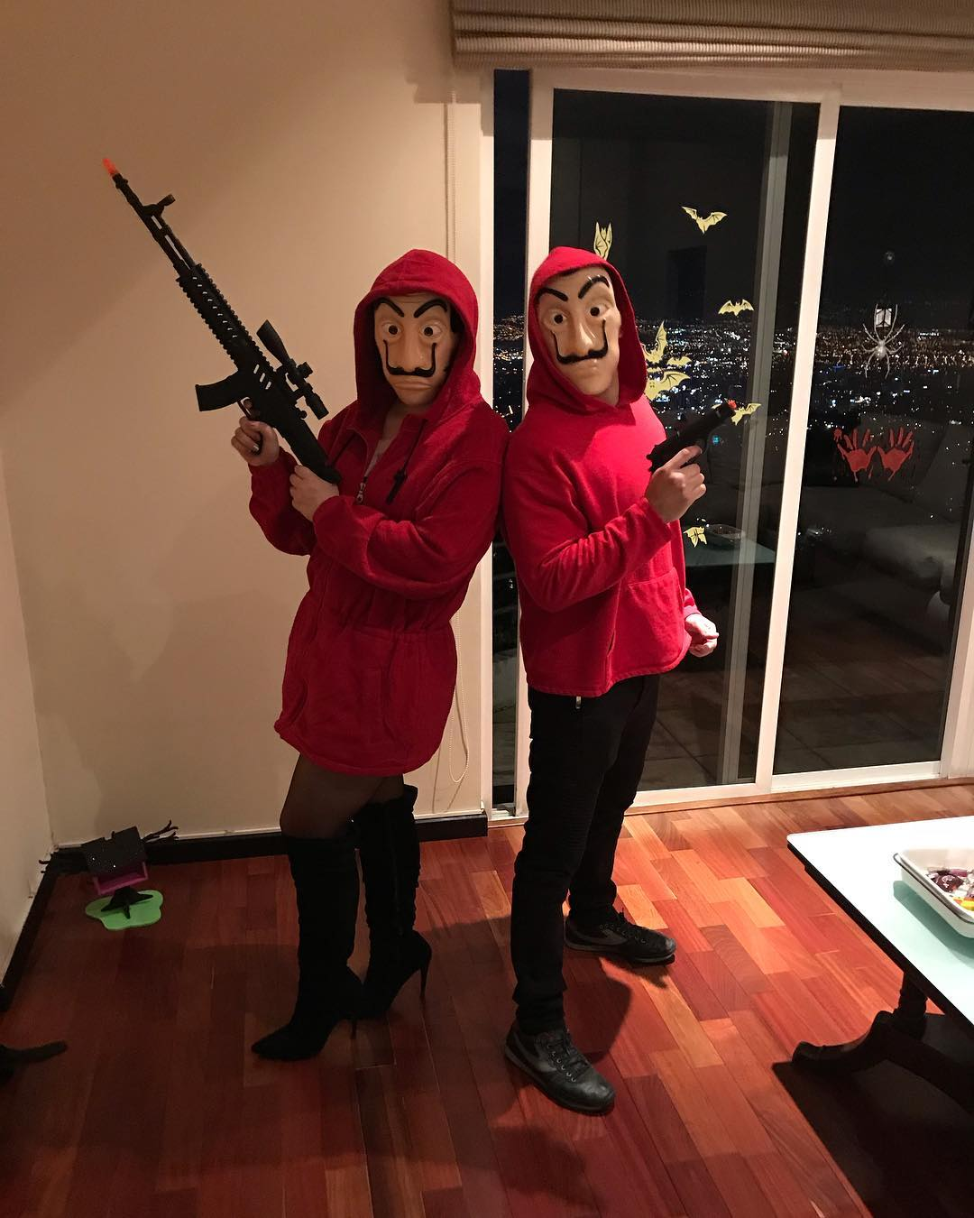 50 Easy Halloween Costume Ideas for Couples Funny couple