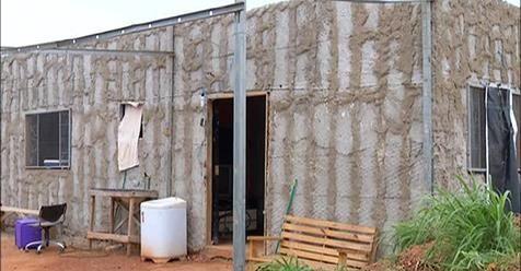 RS Notícias: Para fugir do aluguel, homem constrói casa própria...