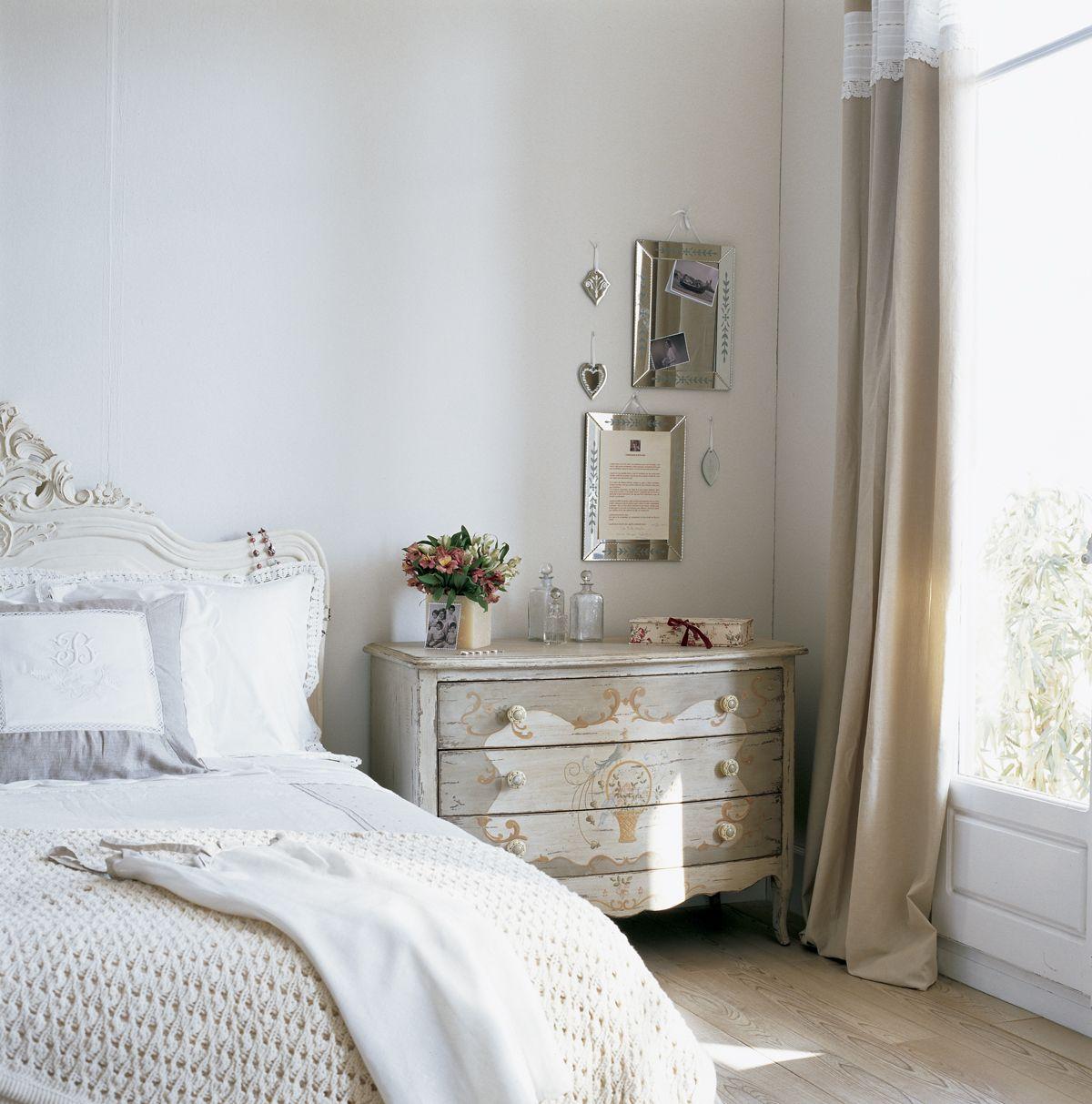 Dormitorio Cl Sico Con C Moda Pintada Y Espejos 0020512 9  # Muebles Necesarios En Un Dormitorio