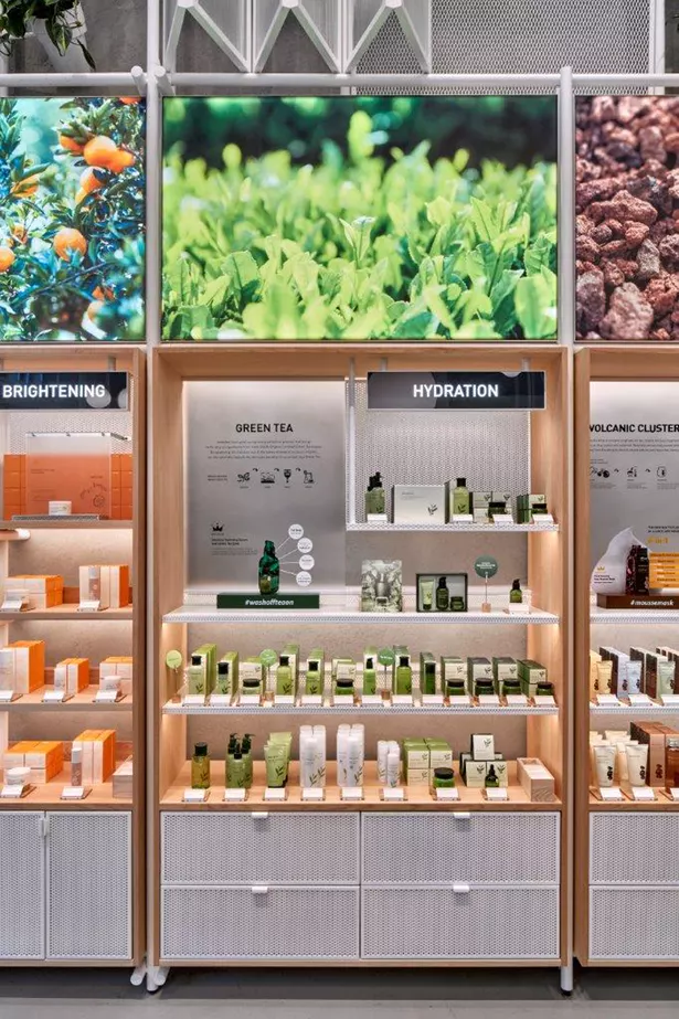 Innisfree Nyc Store Mapos Architects Dpc Archinect Store Design Interior Pharmacy Design Retail Store Design