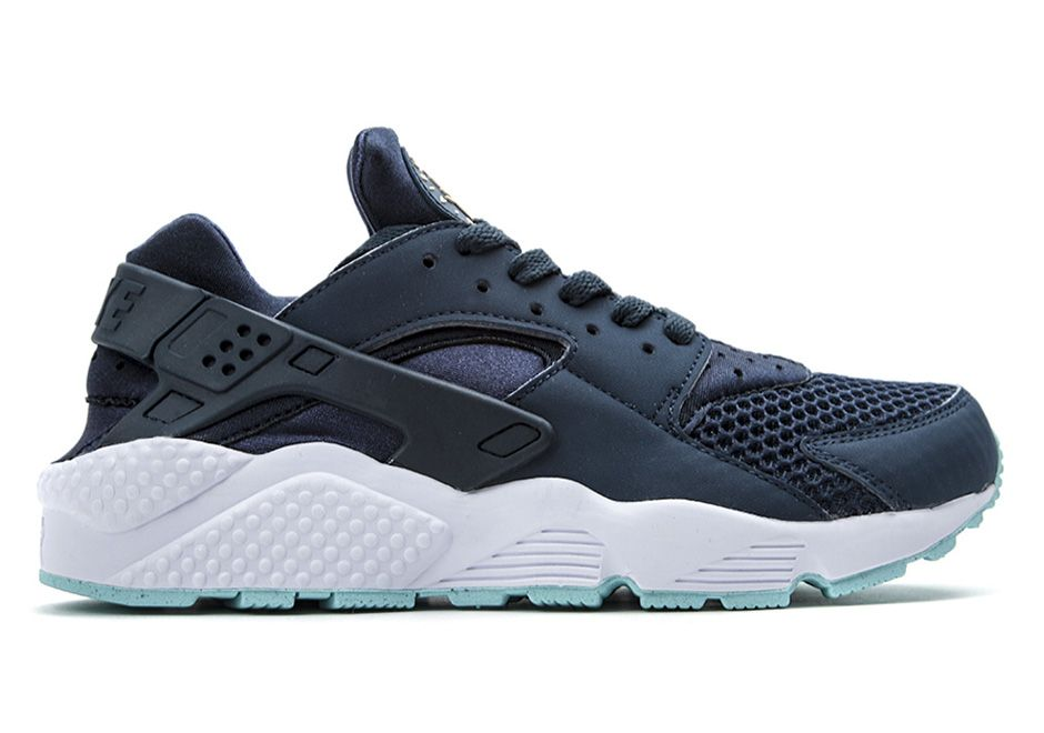 A Detailed Look at the Nike Air Huarache