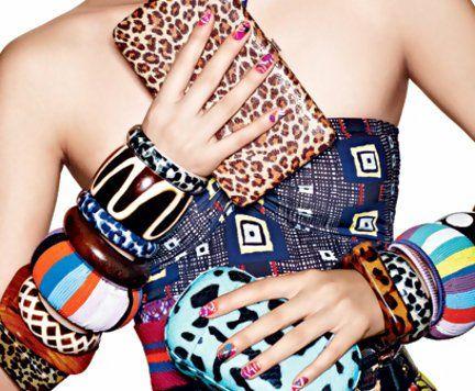 Acessórios e nail art protagonistas de editorial de moda na Teen Vogue
