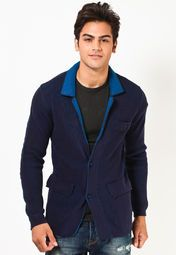 Look stylish this winter season wearing this navy blue coloured blazer from the latest collection of United Colors of Benetton. Featuring a notch collar, it looks very appealing. Tailored in slim fit from acrowool, it will keep you warm and comfortable all day long.