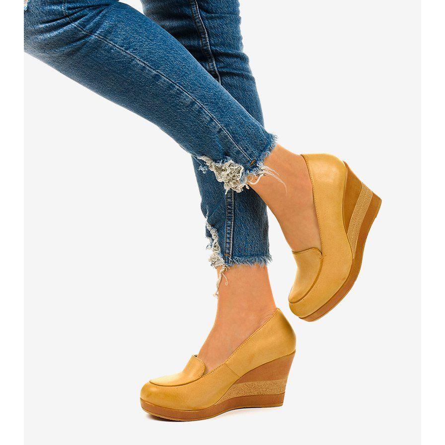 Bezowe Czolenka Na Koturnie Cofton Bezowy In 2020 Chelsea Boots Boots Ankle Boot