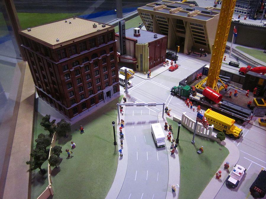A visit to Grapevine Legoland: Dallas/Fort Worth...in lego ...