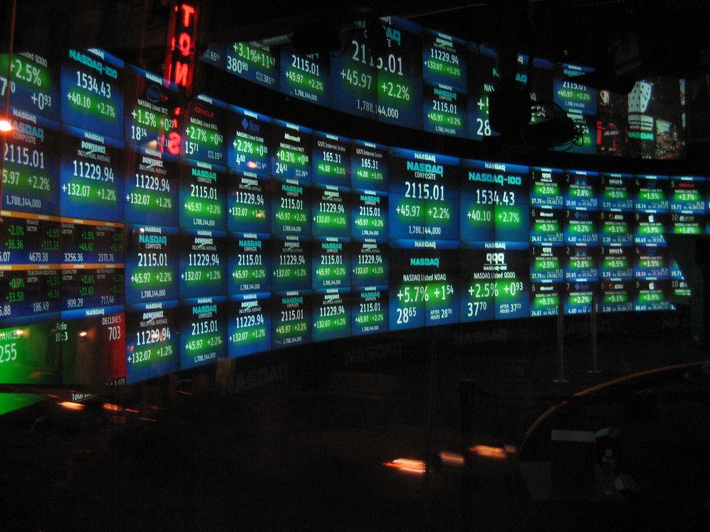 Nasdaq Ceo We Are Investigating The Idea Of Bitcoin Futures Trade Finance Stock Futures Trading Brokers