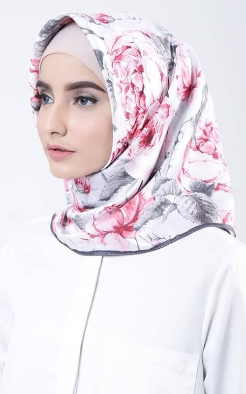 Hijab Hijabfashion Prettygirl Prettyhijabgirl Hijabgirls Muslimwomen Muslimgirls Nooranitravel Nooranitravel Gaya Hijab Model Pakaian Gaya