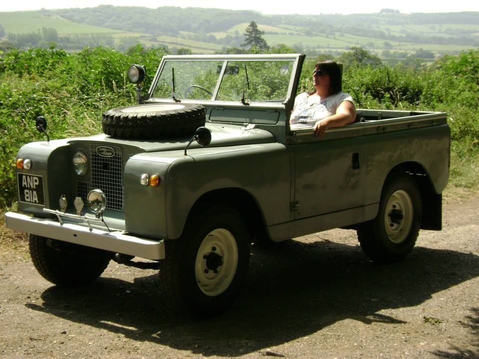 Land Rover Series II, front view, sans top!