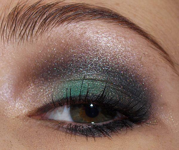 "Green smokey eye  -MAC ""Humid"" makes a GREAT green smokey eye!"