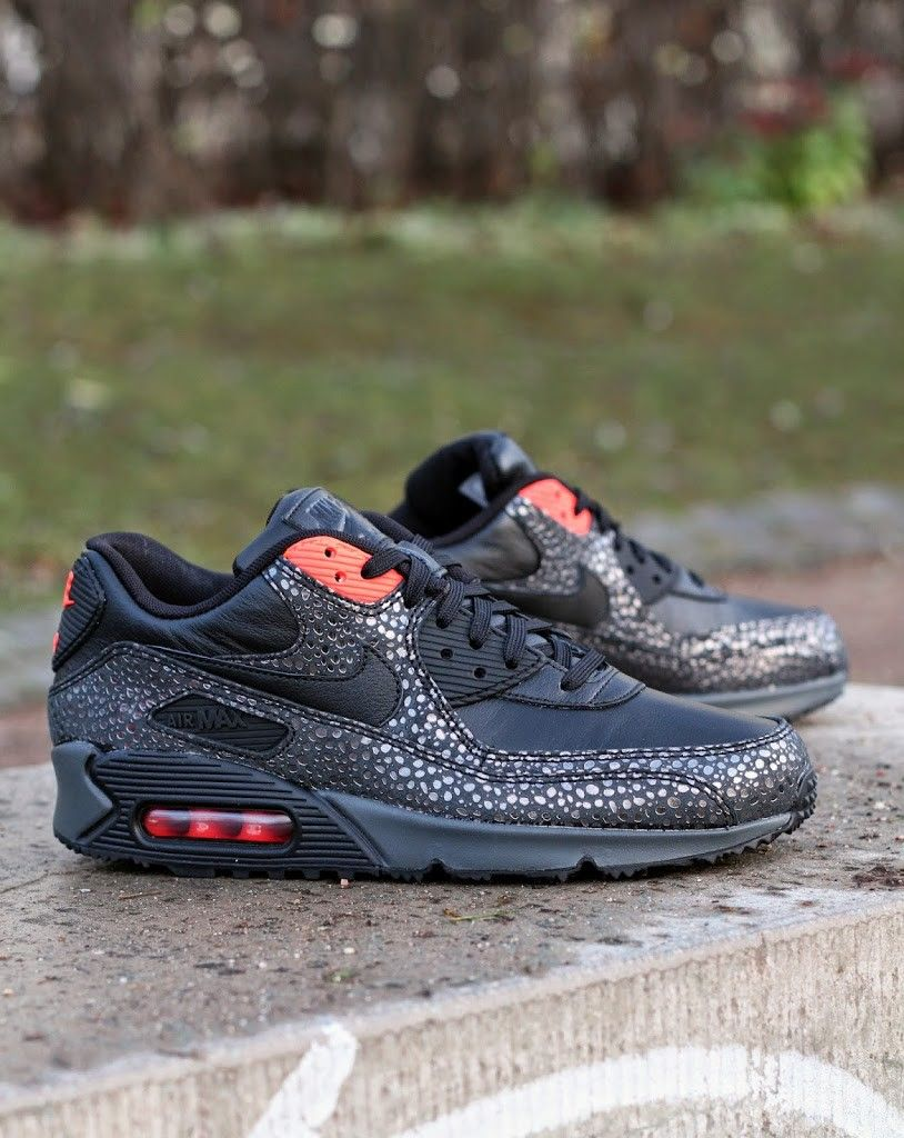 wholesale dealer a05d5 103b6 Nike Air Max 90 Deluxe 684710-001