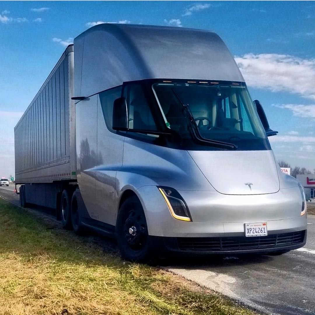 Tesla Semi For Your Viewing Pleasure With Images Tesla