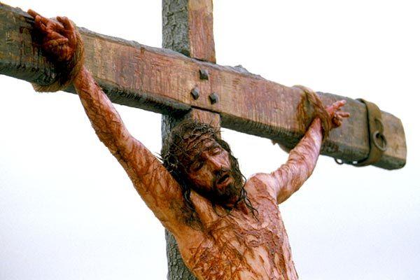 Jesucristo En La Cruz En El Filme Proliferan Los Primeros Planos