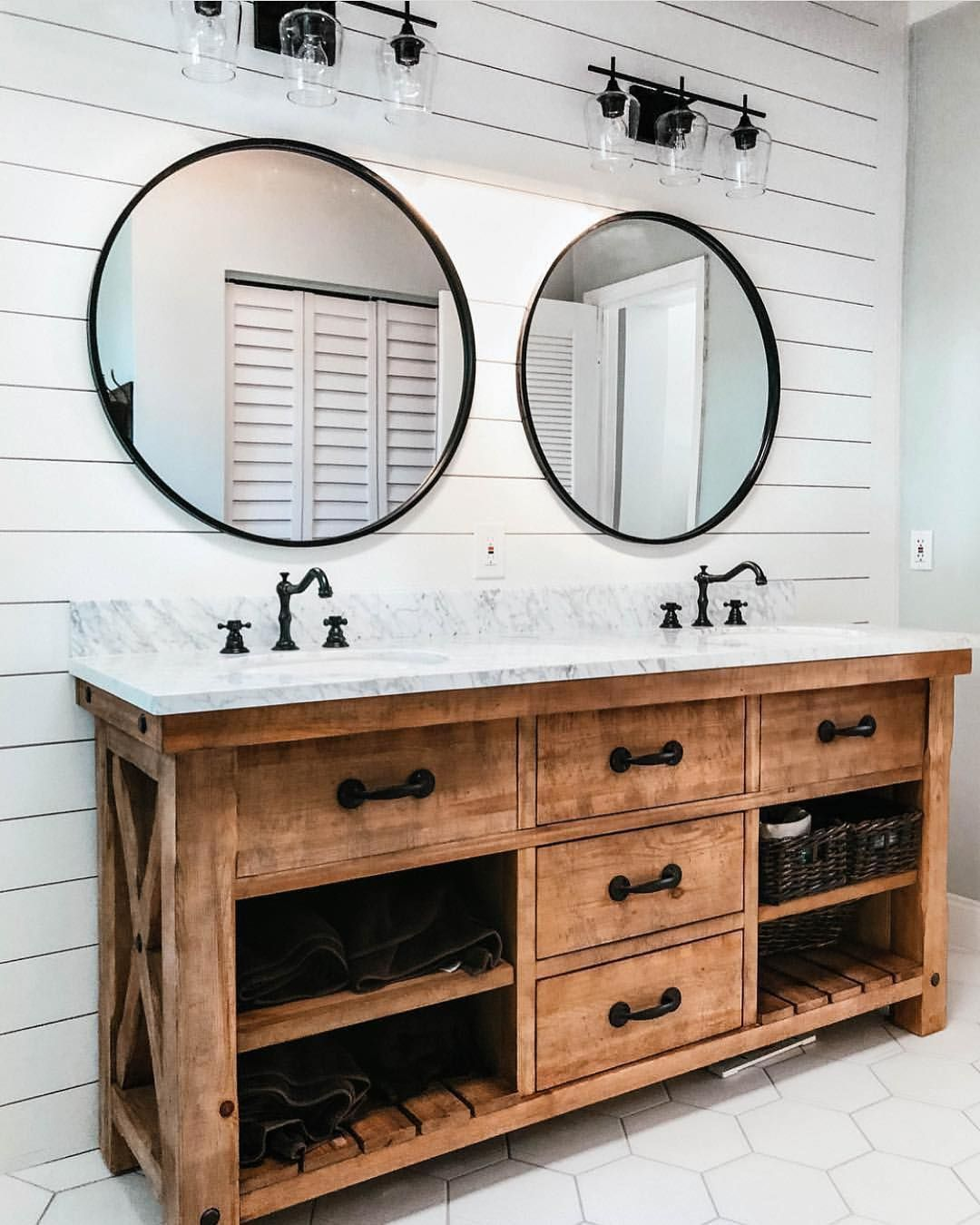 Sublime 35 Marvelous Farmhouse Bathroom Storage And