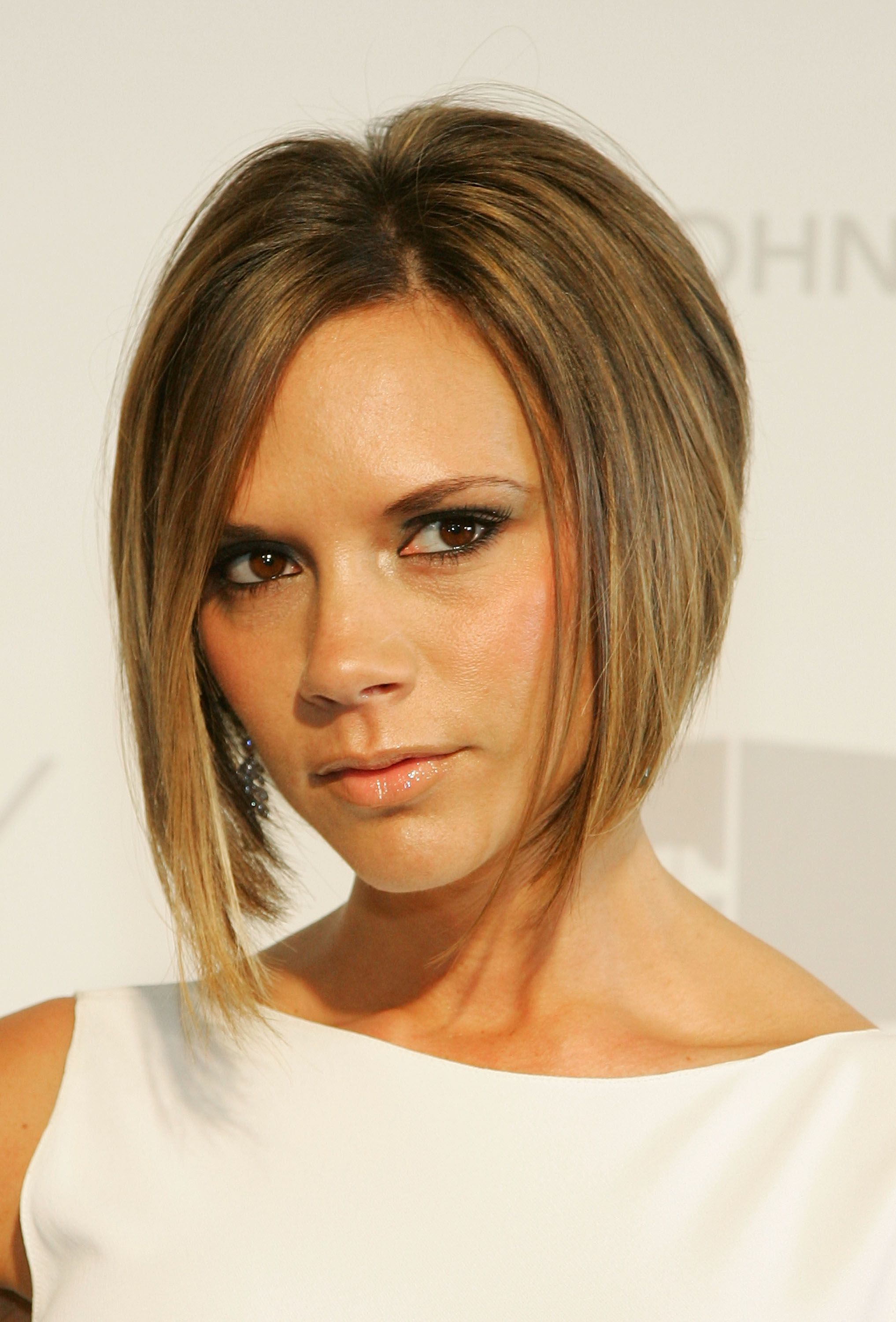 Graduated Bob Hairstyles We Celebrate Victoria Beckhams Birthday With Her Top Hair Moments