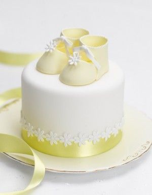 Love The Simplicity And Color Of This Yellow And White Mini Cake