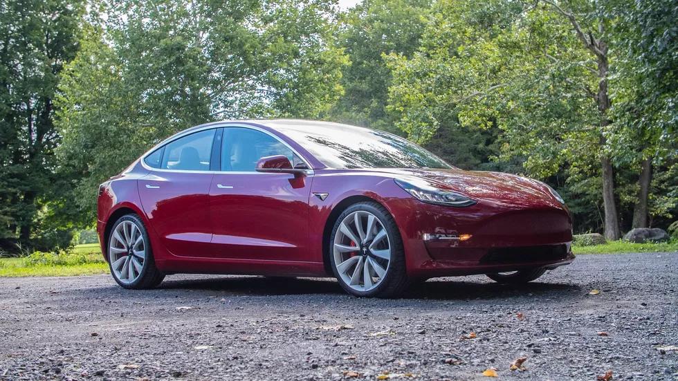 Tesla S Model 3 Performance Subtly Adds The Power Tesla Model Tesla Car Tesla X
