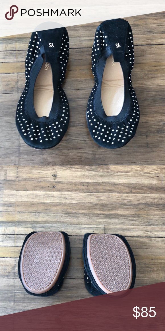 974267eac7f These stunning black suede Yosi Samira ballets flats with silver studs are  BRAND NEW