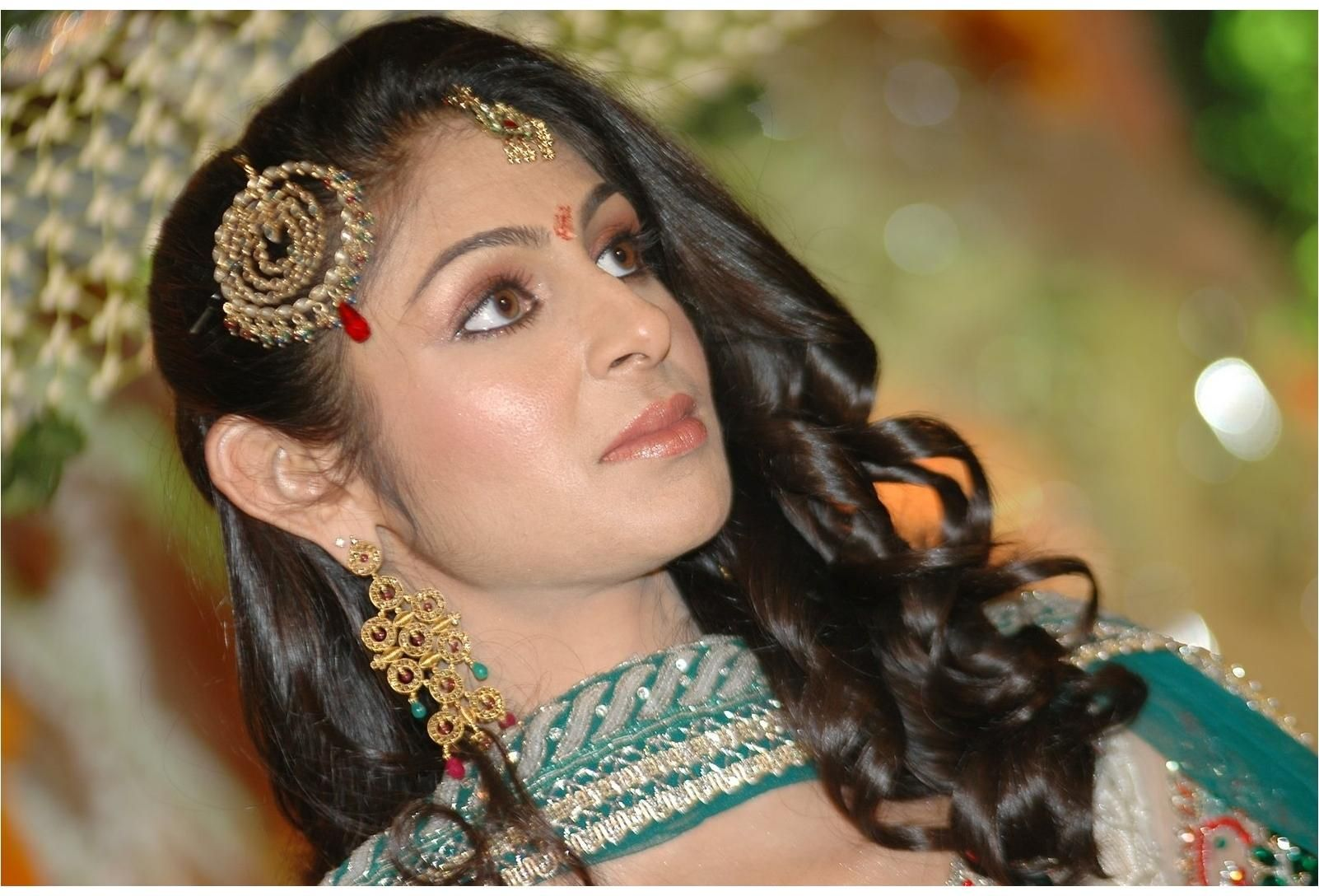 Top 20 Indian Bridal Hairstyles Brides Need To See
