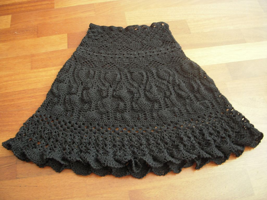 Black crochet skirt crochet skirts yarns and crochet black crochet skirt the yarn is opal of langyarns it is v bankloansurffo Choice Image