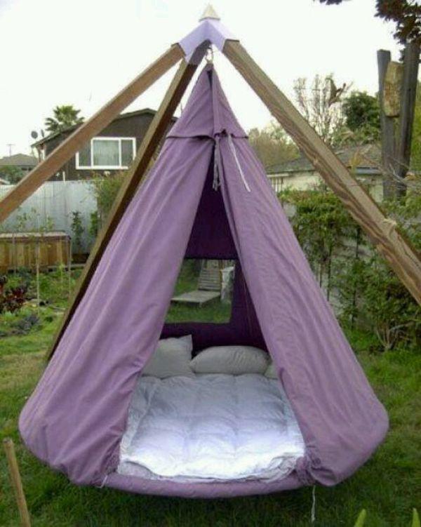 37 Outdoor Betten Die Freude Komfort Und Stil Bieten In 2020 Mit Bildern Schwebebett Home Design Trampolin