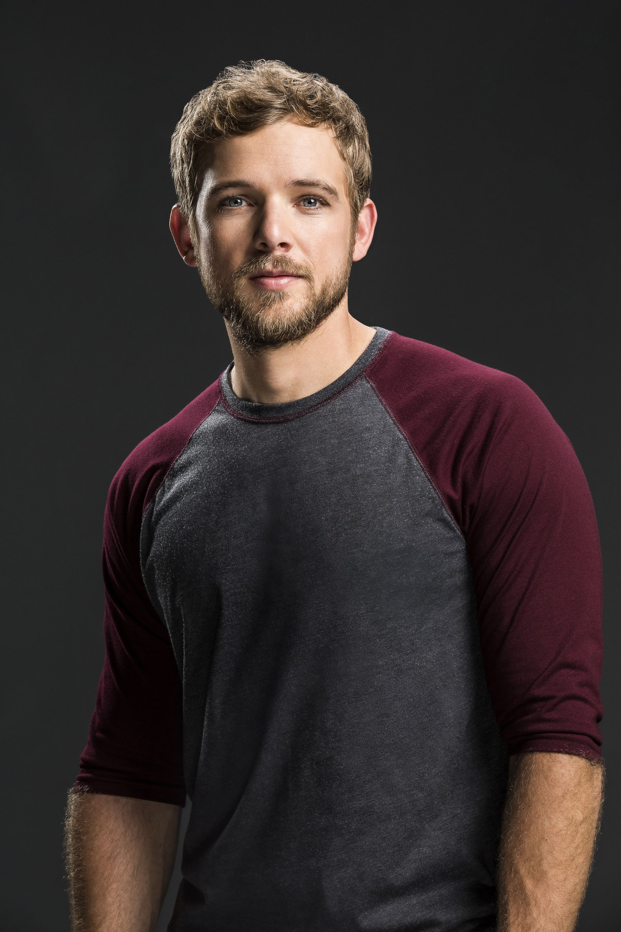 Max Thieriot, SEAL Team   Max thieriot, Shirtless actors