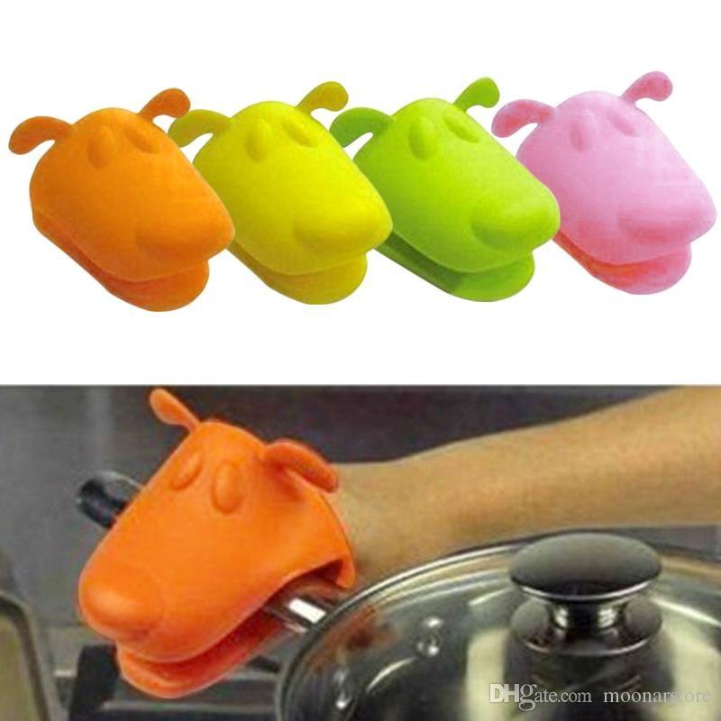Animal dog doggie design pliable silicone pot holder