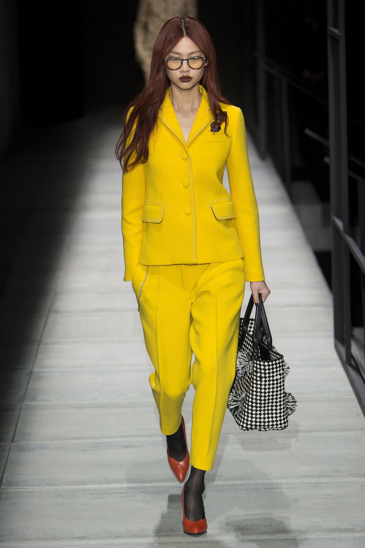 22ff916fa129 Bottega Veneta Fall 2018 Ready-to-Wear Fashion Show Collection ...