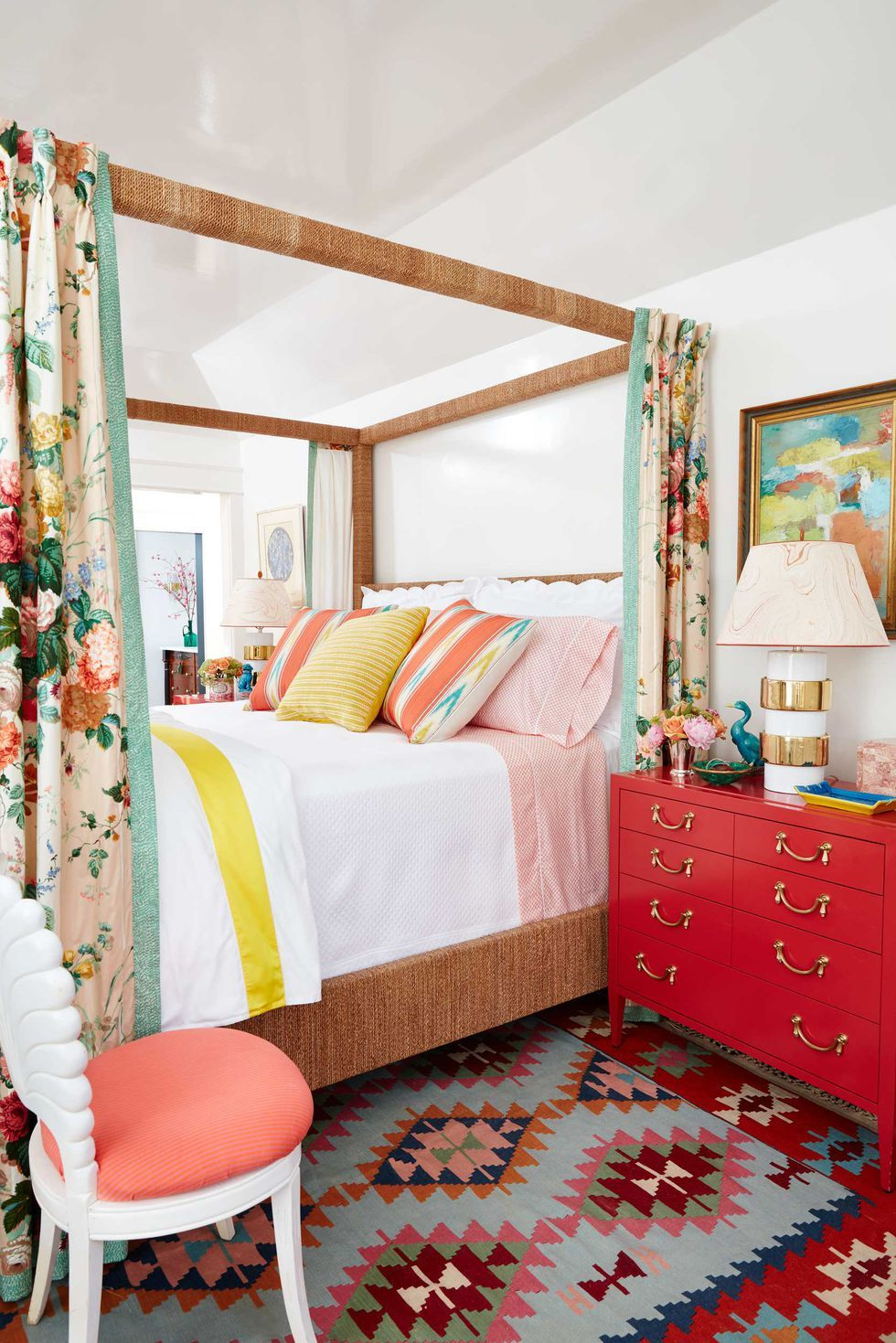 3 Great Tricks To Making Your Small Bedroom Feel Like A Master Suite Bedroom Decorating Tips How To Make Bed Beautiful Homes Napa chictransitional master bedroom