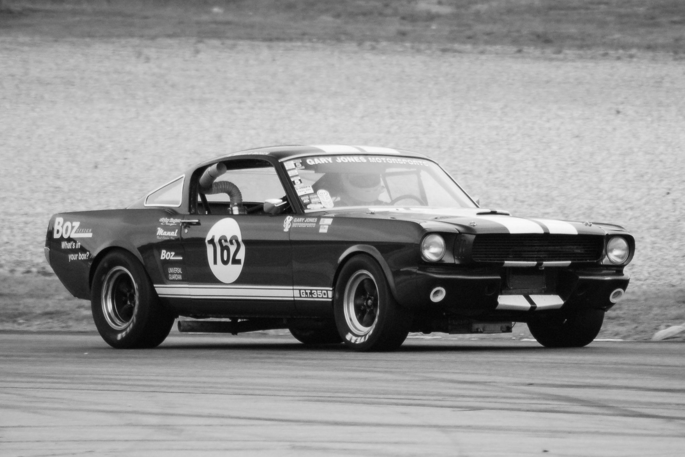 racing Vintage mustang