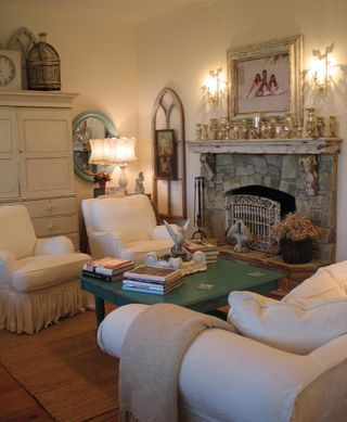 ❥ love the stone fireplace