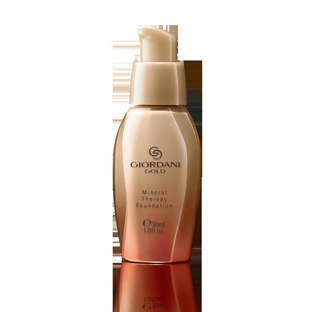 Oriflame Giordani Gold Mineral Therapy Foundation  Merimineraaleja sisältävä meikkivoide  Luonnollisesti peittävä meikkivoide hoitaa ihoa ja luo ihosta heleän. Ravitseva ja kosteuttava koostumus vähentää välittömästi väsymyksen merkkejä. Iho näyttää nuorekkaammalta**. Sisältää suojakertoimen 8. Hajustamaton.  **Kuluttajien itsearvointi. 97 naista 3 päivän käytön jälkeen. 30  ml.