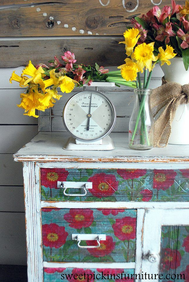 Painted By Sausha From Sweet Pickins Source Https Www Facebook Com Sweetpickinsfurniture Dresser Is Painted With Sweet Pickins Milk Paint In Flour Meuble