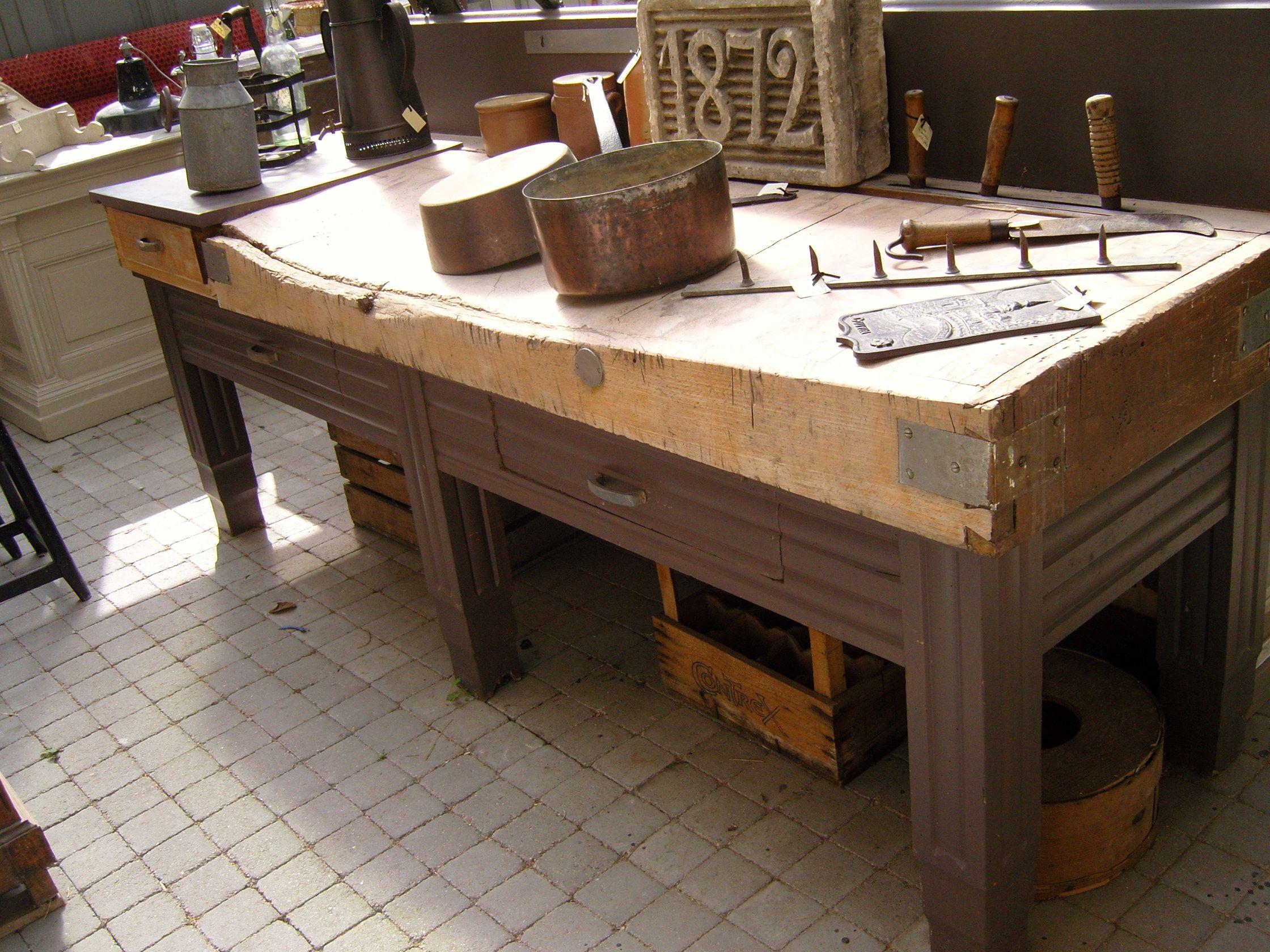 billot de boucher atelier sixteen brocante pierrefonds france http ateliersixteen e. Black Bedroom Furniture Sets. Home Design Ideas