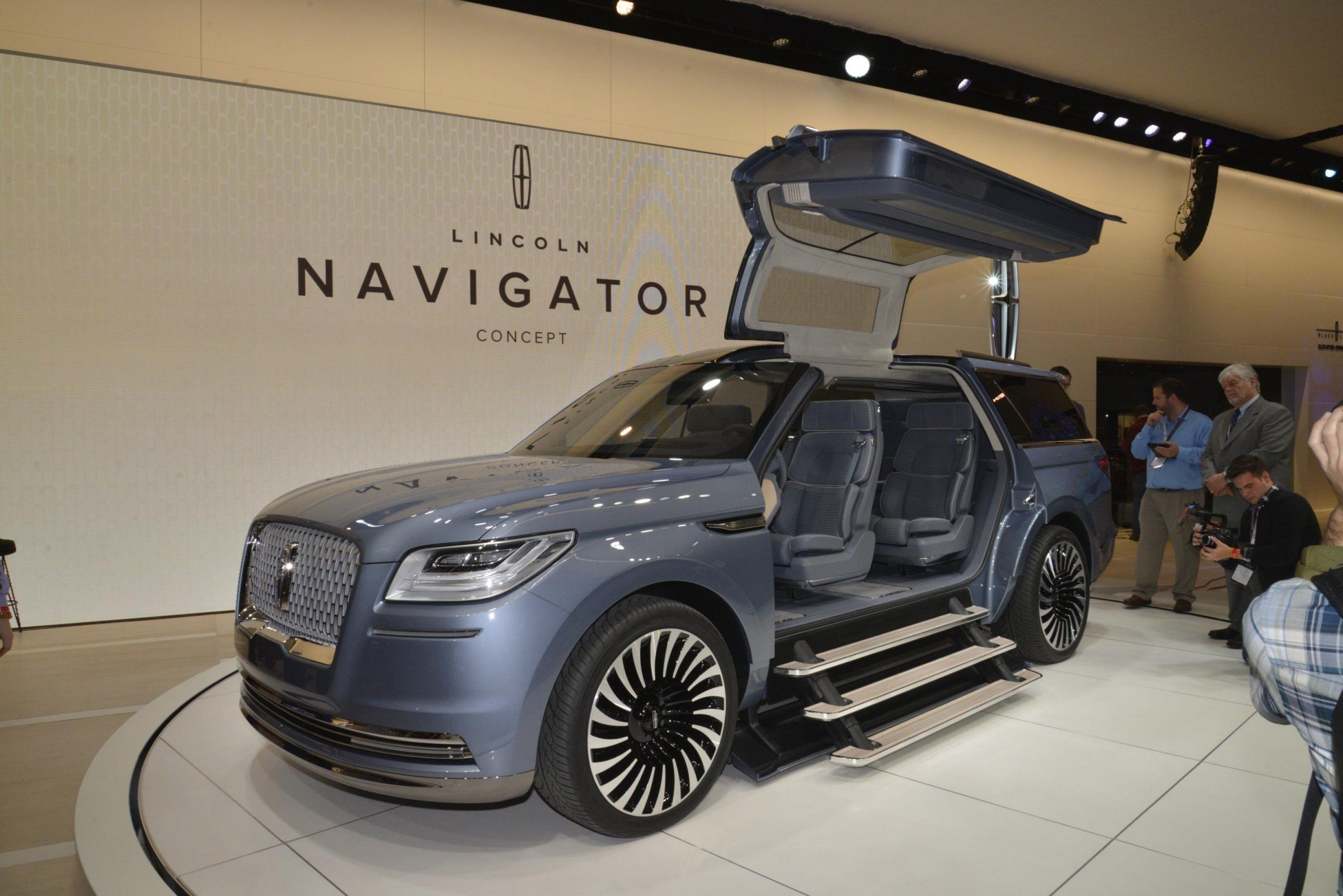 Lincoln is outperforming the luxury auto market   Luxury auto ...