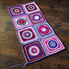 Continuous flat braid join of granny squares. Tutorial.