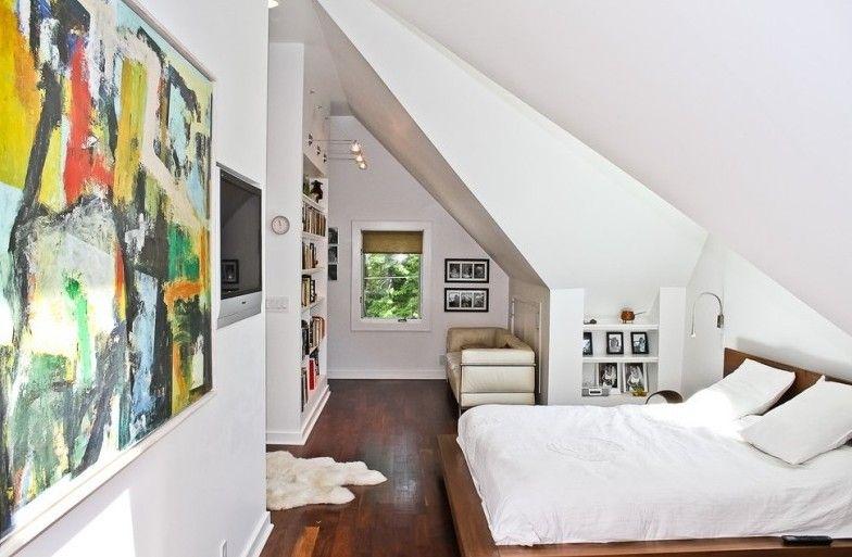 Dachschräge Schlafzimmer ~ Modernes schlafzimmer mit dachschräge und wandregal