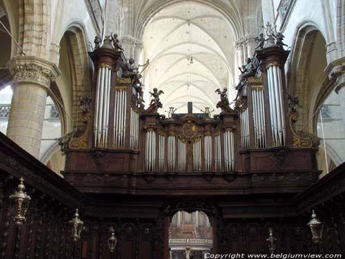 Sint-Jacobskerk ANTWERPEN 1 (centrum) / ANTWERPEN foto Boven het koordoksaal vindt je een tweede orgel aan de binnenzijde van het koor.