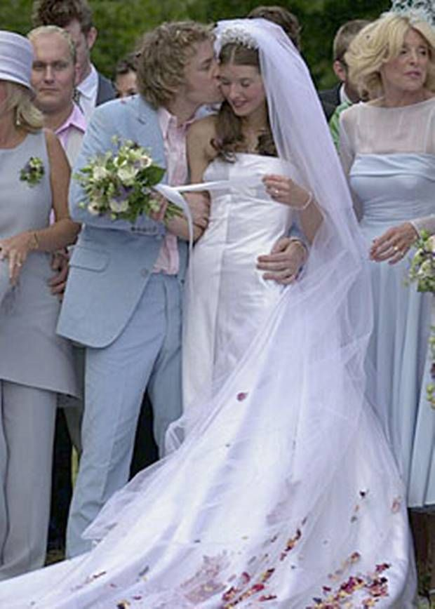 Chef Jamie Oliver And His Wife Jules On Their Spring Wedding Day Beautiful Wedding Gowns Bride Neutral Wedding