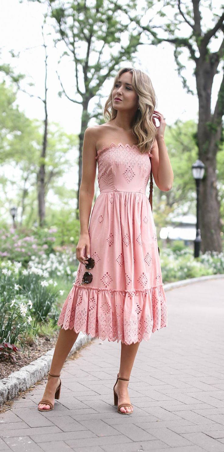 what to wear to a boho garden or rustic outdoor wedding // pale pink ...