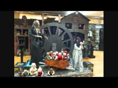 Spirit Halloween-A History - YouTube