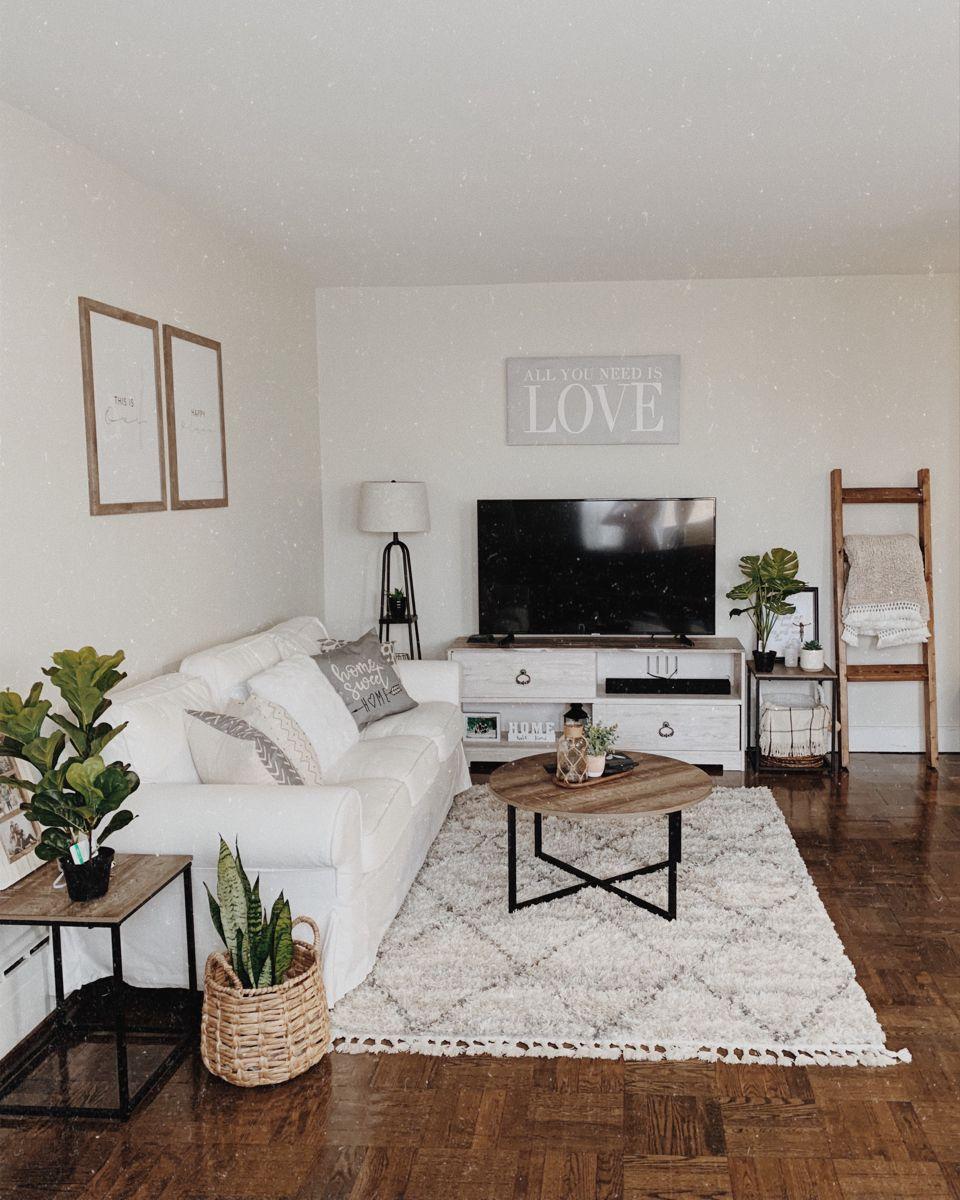 #minimalist #neutraldecor #apartment #whiteroom