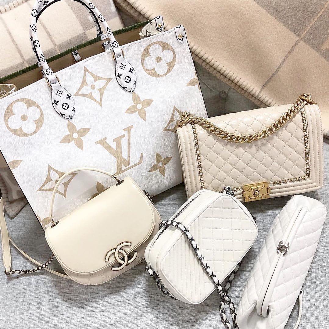 Pin By Belinda Selene On Handbags In 2020 Louis Vuitton Bag Louis Vuitton Chanel Bag