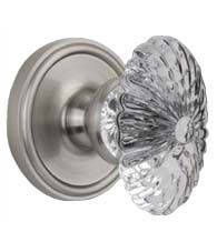 Like the fine wines from the Burgundy region of france, this Scalloped Crystal Egg Knob with Georgetown Rose made by Grandeur. Get more info at Doorware.com