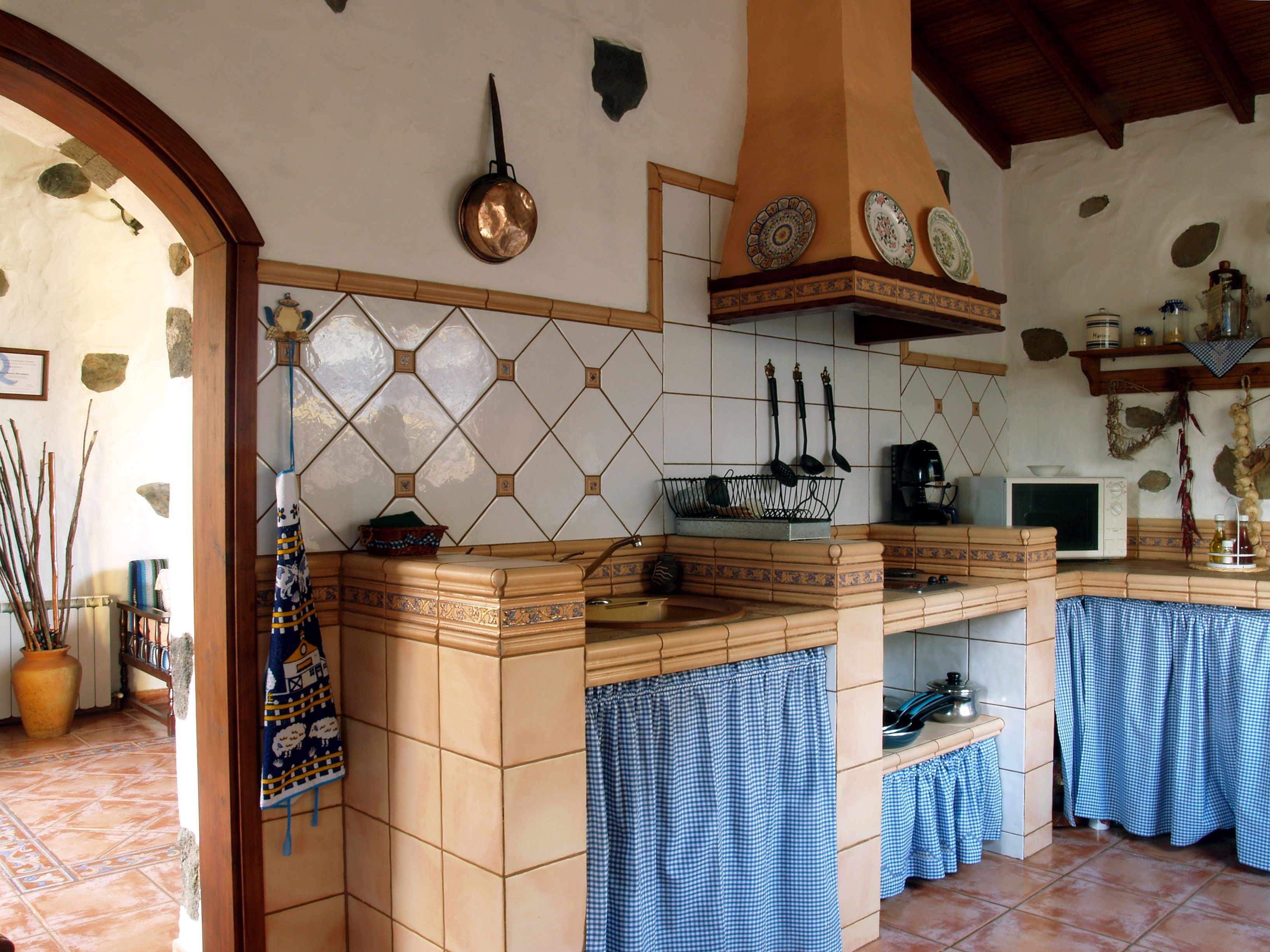 Cocina casa rural doramas pinterest cocinas cocinas for Diseno de interiores gran canaria