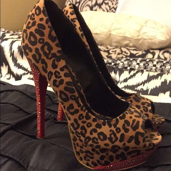 Shoedazzle cheetah heels Shoedazzle red and cheetah rhinestone heels in great condition! Shoe Dazzle Shoes Heels
