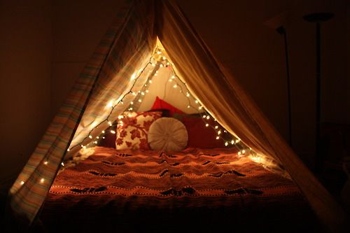 90 Cozy Rooms Youll Never Want To Leave Sleepover FortBed TentBlanket FortsBlanketsCozy RoomInterior DecoratingCoziesOn TumblrLiving Spaces