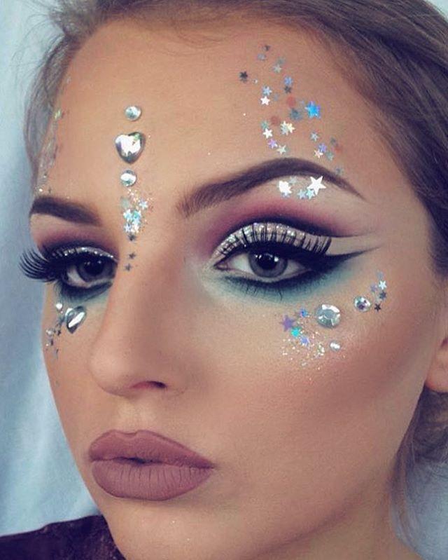 Photo of Make-up-Anleitung. Make-up-Glitzer, Make-up-Pinsel-Anleitungen, Make-up-Muster; …